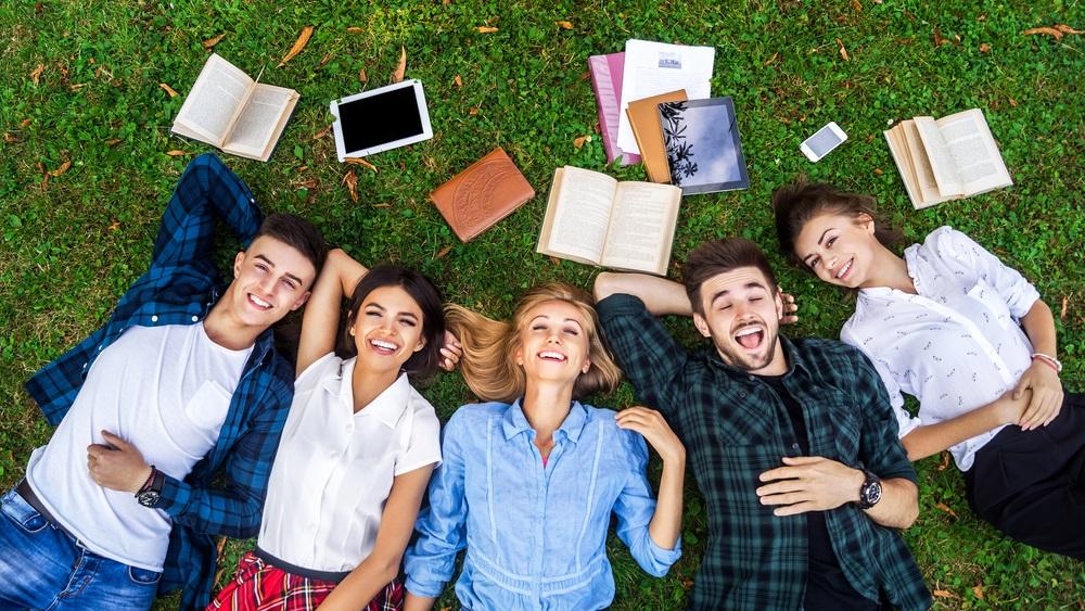 Bạn nên tìm đến sự hỗ trợ của các trung tâm tư vấn để thực hiện hóa ước mơ du học Đức