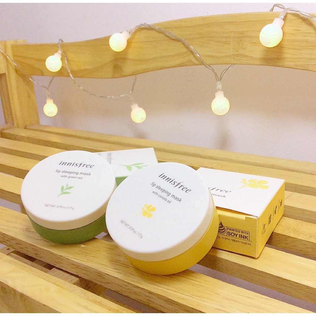 Innisfree từ xưa đến nay luôn nổi tiếng về các sản phẩm dưỡng da, skincare cực kì chất lượng, một trong số đó mặt nạ  môi được nhắc nhiều nhất với công dụng dưỡng ẩm, cung cấp nhiều vitamin C cho môi thêm tươi tắn hồng hào, đặc biệt các thành phần của sản phẩm đều được chiết xuất từ thiên nhiên nên vô cùng hiệu quả, lành tính