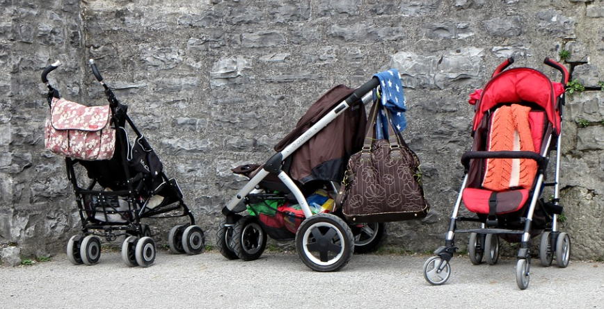 Know the reasons for investing in good quality baby stroller for child 1