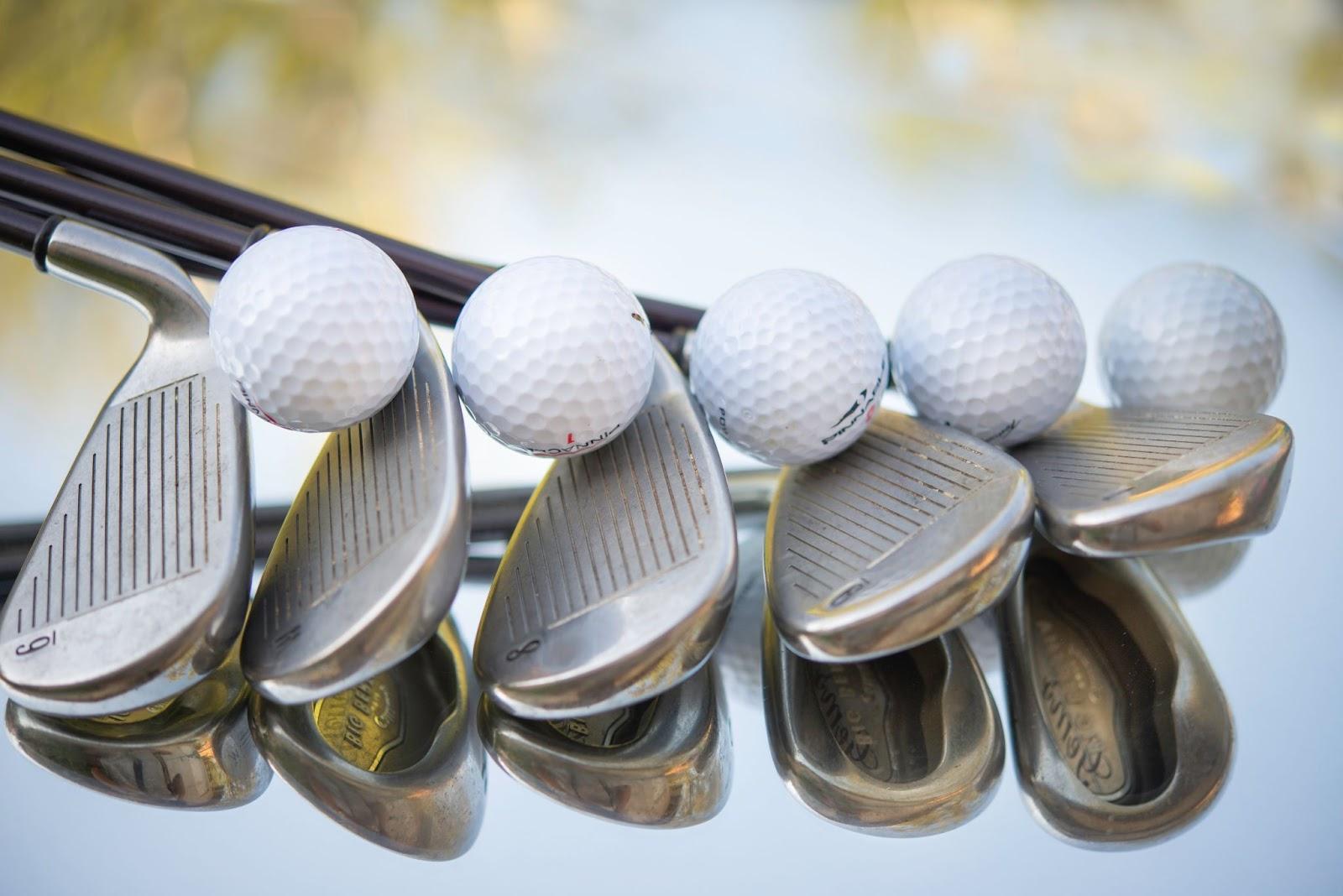köpa golfklubbor Foto: Unsplash