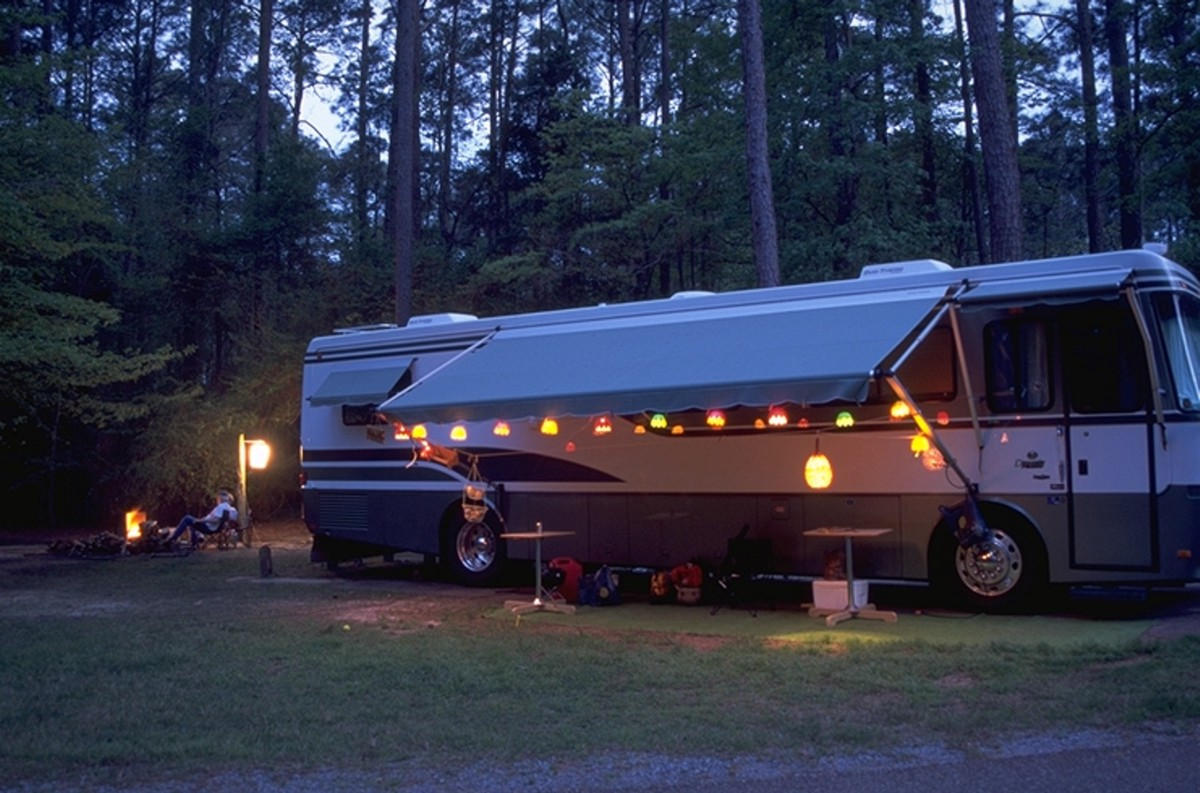 RV_Camper_at_North_Toledo_Bend_State_Park.jpg
