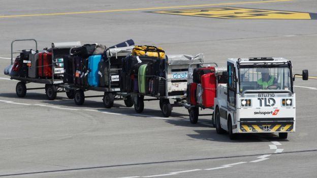 Багаж на тележках