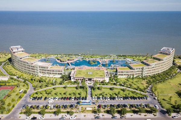FLC Luxury Hotel 01