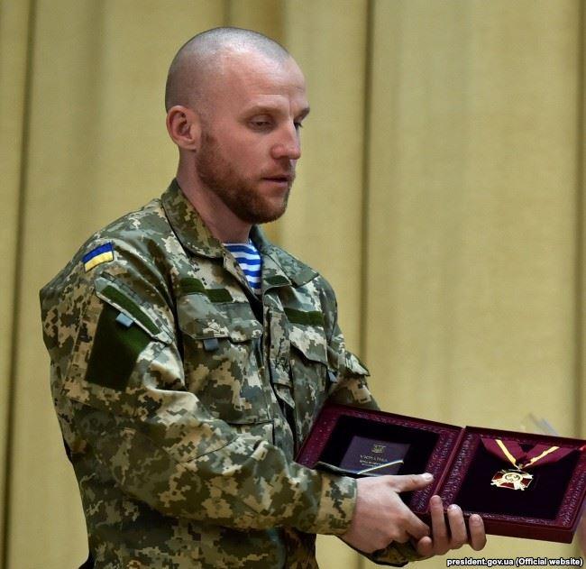 Максим Миргородський під час нагородження орденом Богдана Хмельницького 1 ступеню, квітень 2015 року