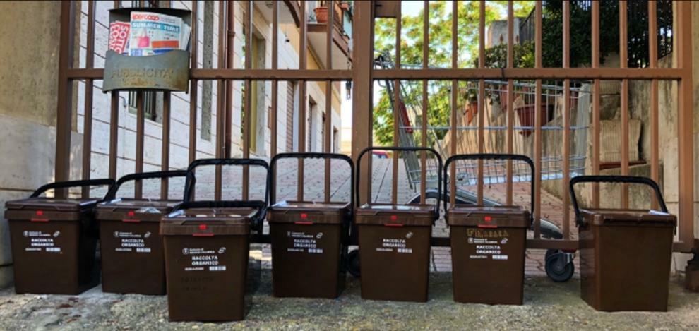 """""""Idea Progetto raccolta DifferenziAMOla 2.0"""" Proposta per migliorare la raccolta differenziata dei rifiuti nella Città di Reggio Calabria 11"""