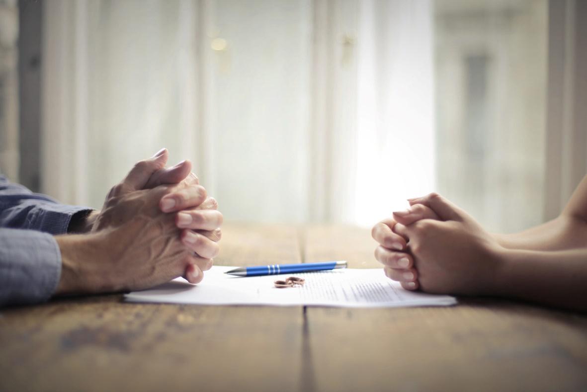 نحوه تنظیم دادخواست طلاق توافقی به چه شکلی می باشد؟