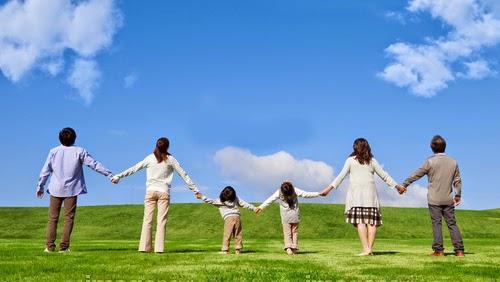 Hãy dành thời gian bên gia đình và người thân, bạn bè..jpg