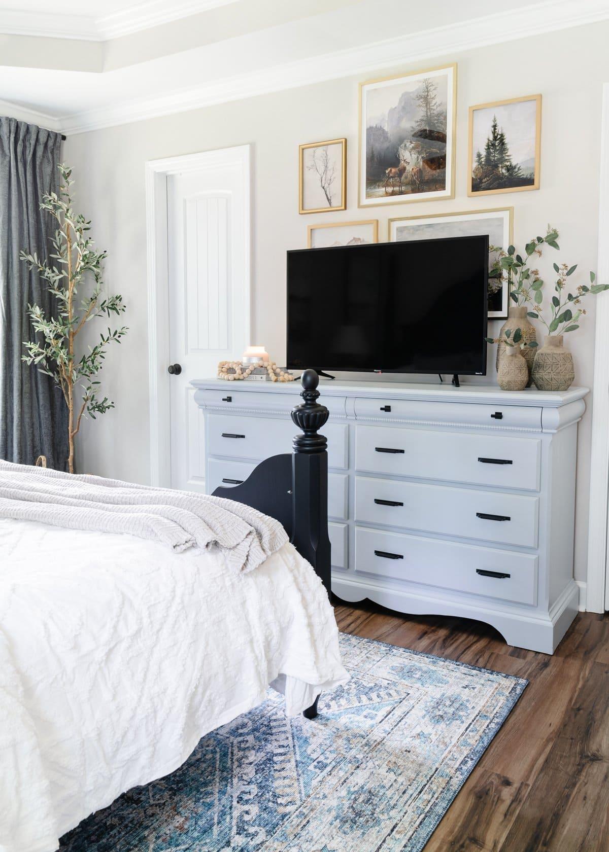 TV on Dresser in Bedroom Ideas