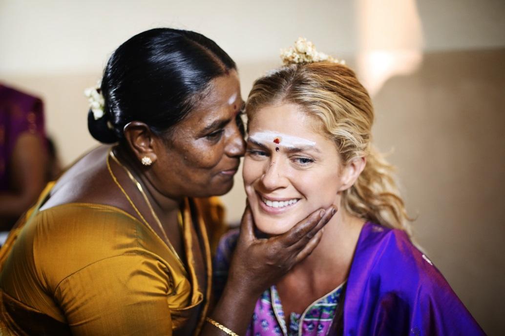 X:\תמונות ערוצים יחצ\health\Rachel Hunter's Tour of Beauty\india_3_copy.jpg