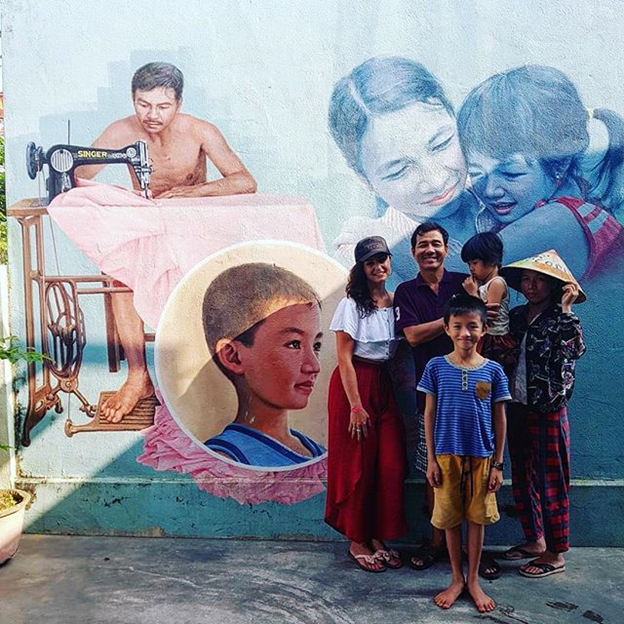 the murals at Tam Thanh