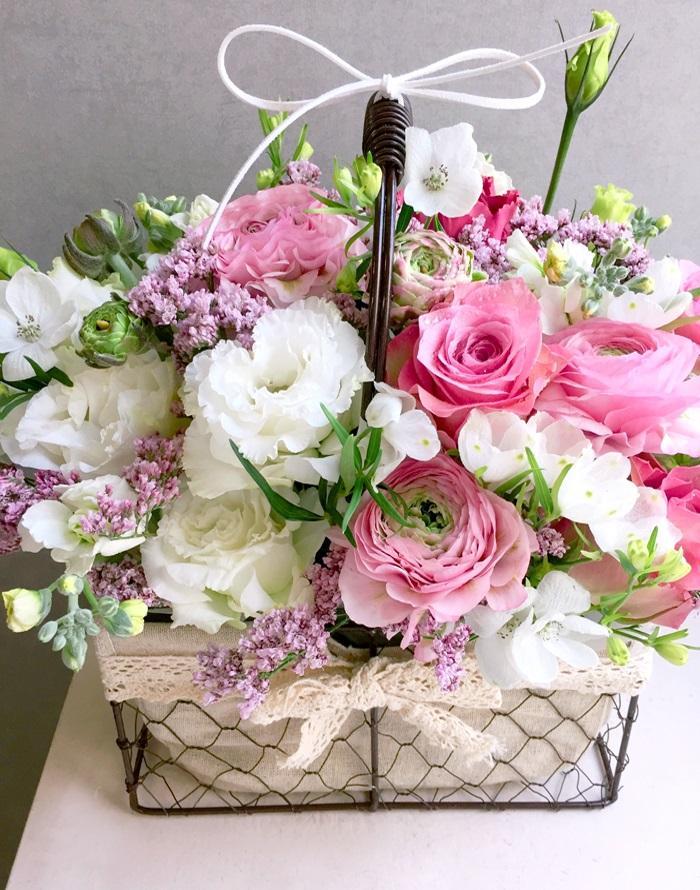 Ảnh có chứa cây, bó hoa, hoa, tường  Mô tả được tạo tự động