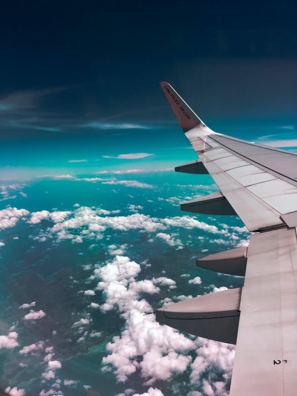 here we tow - How To Avoid Travel-Related Stress