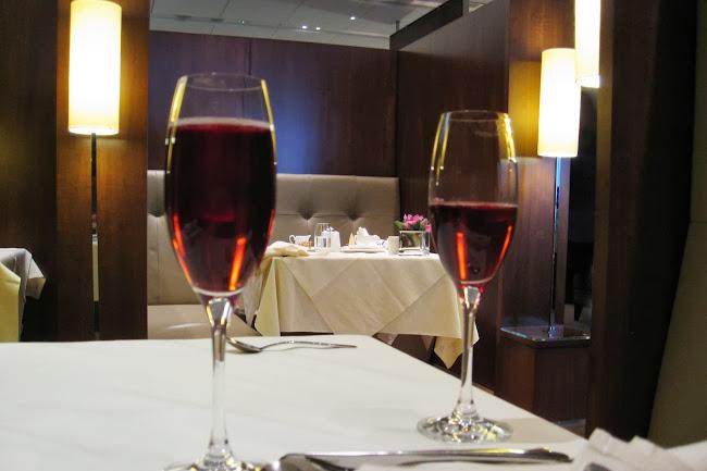 希思罗机场协和室的香槟