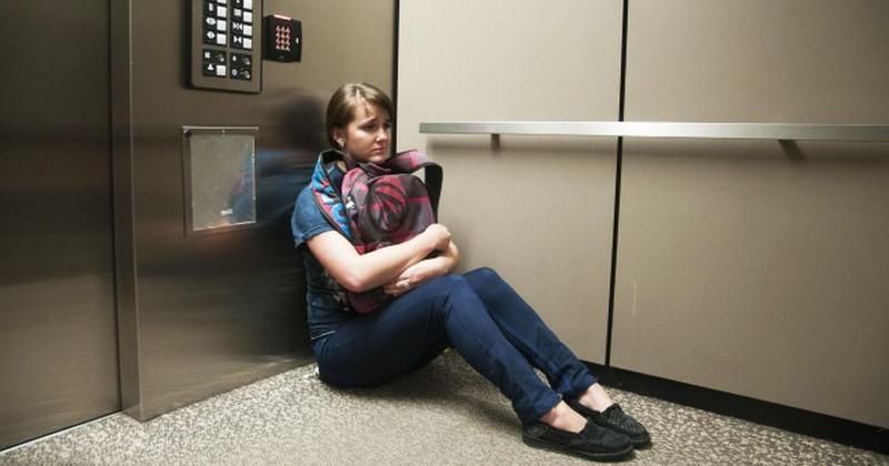Thang máy liên tục bị hỏng là dấu hiệu cảnh báo thang đang gặp vấn đề nghiêm trọng, cần xử lý, bảo trì gấp