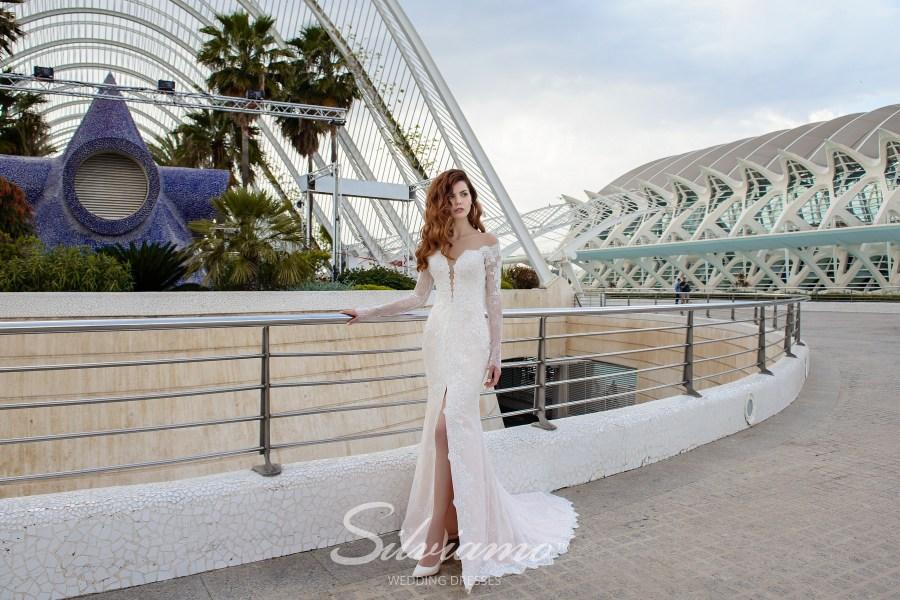 Весільна сукня годе з розрізом фото