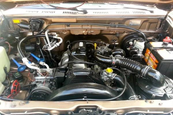 Under the hood of the Toyota Revo 2001 MT Diesel