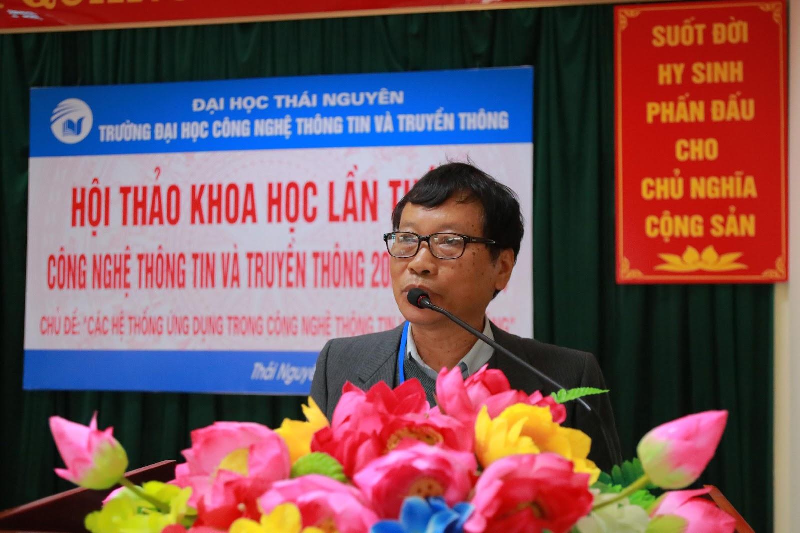 GS.TS Đặng Quang Á chủ trì phiê toàn thể Hội thảo