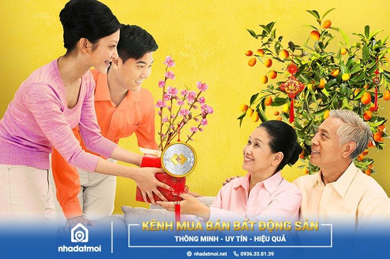Lời chúc Tết cha mẹ ý nghĩa thay bạn gửi lời cảm ơn và chúc cha mẹ sức khỏe
