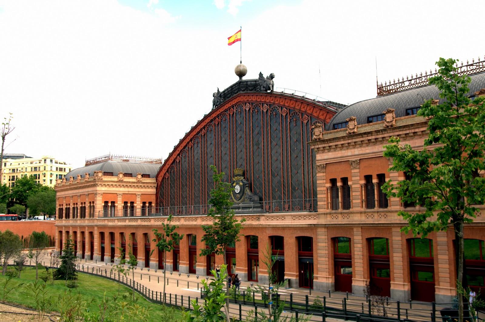 Estación_de_Atocha_(Madrid)_12.jpg