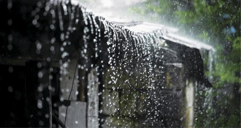 Việc vận chuyển sẽ dễ dàng hơn khi đặt mua tấm lợp trước mùa mưa bão