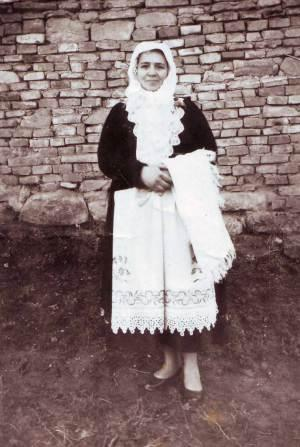 sara-in-traditional-dress-1963
