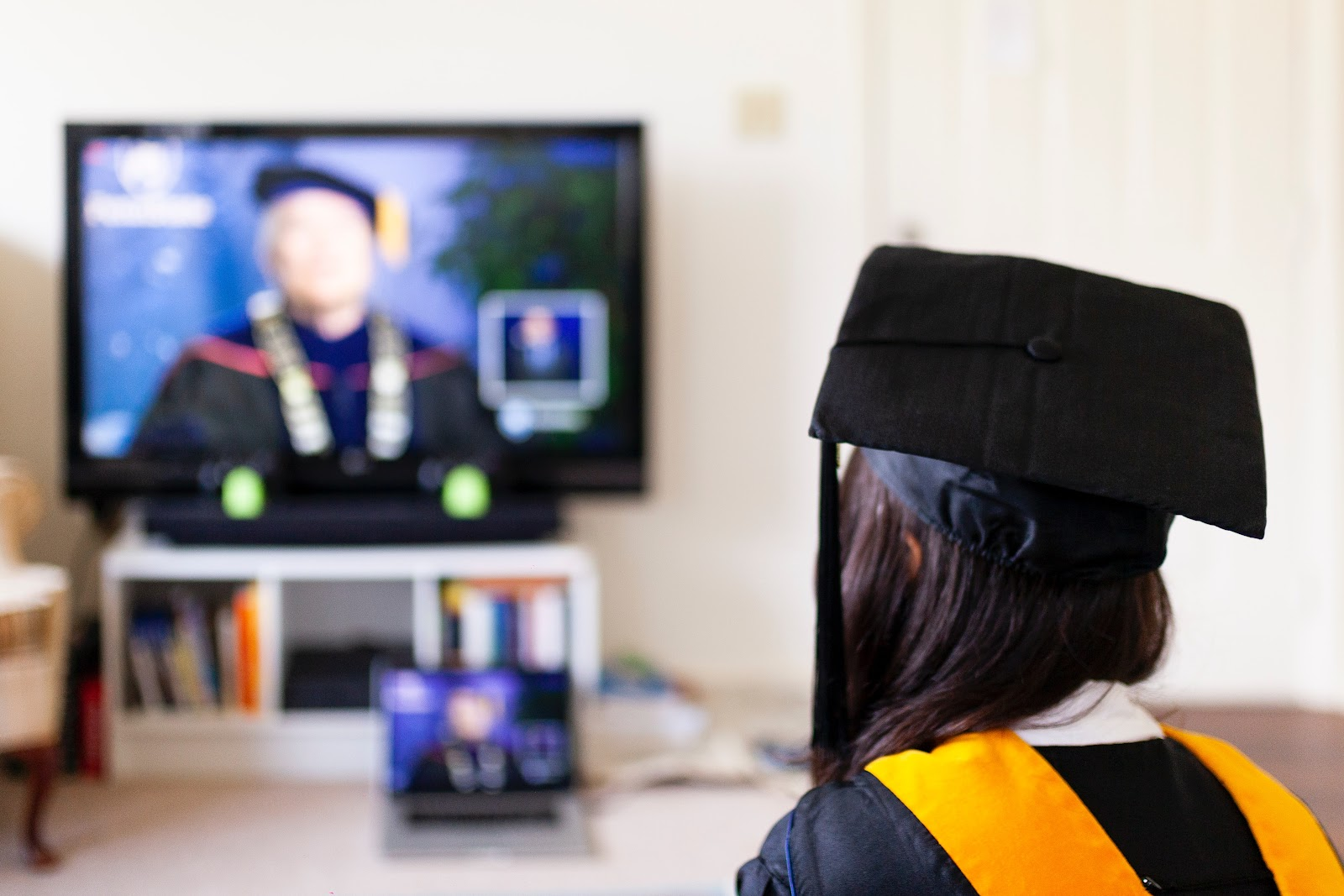Online Community College: A Cheaper Way to Earn Your Degree