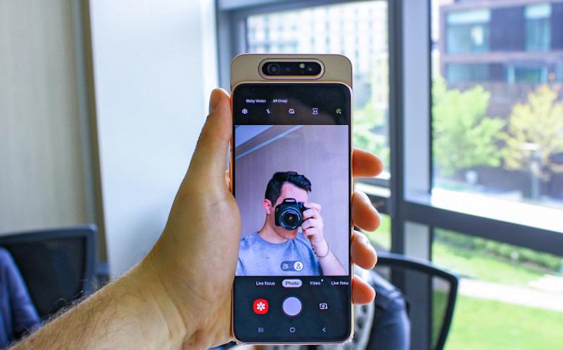 Điện thoại Samsung Galaxy A80 | Cụm camera xoay selfie