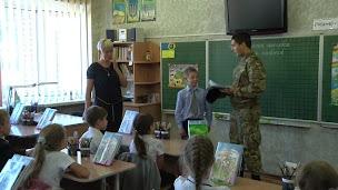 Ученик запорожской школы пригласил  незнакомого солдата на свой день рождения