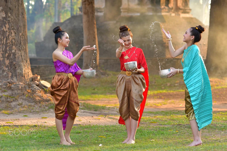 Có một lễ hội Songkran sôi động chờ bạn tham gia trong dịp tháng 4 tại Thái Lan