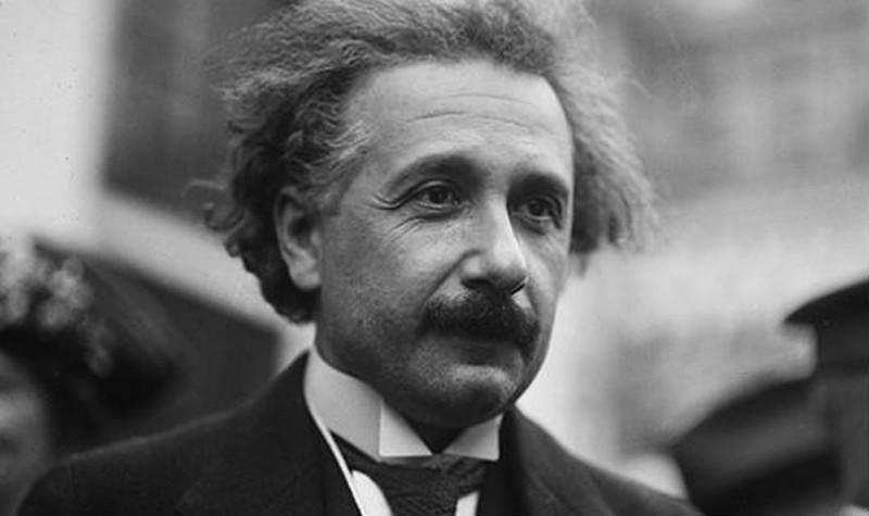 Albert Einstein- Con người của thế kỉ