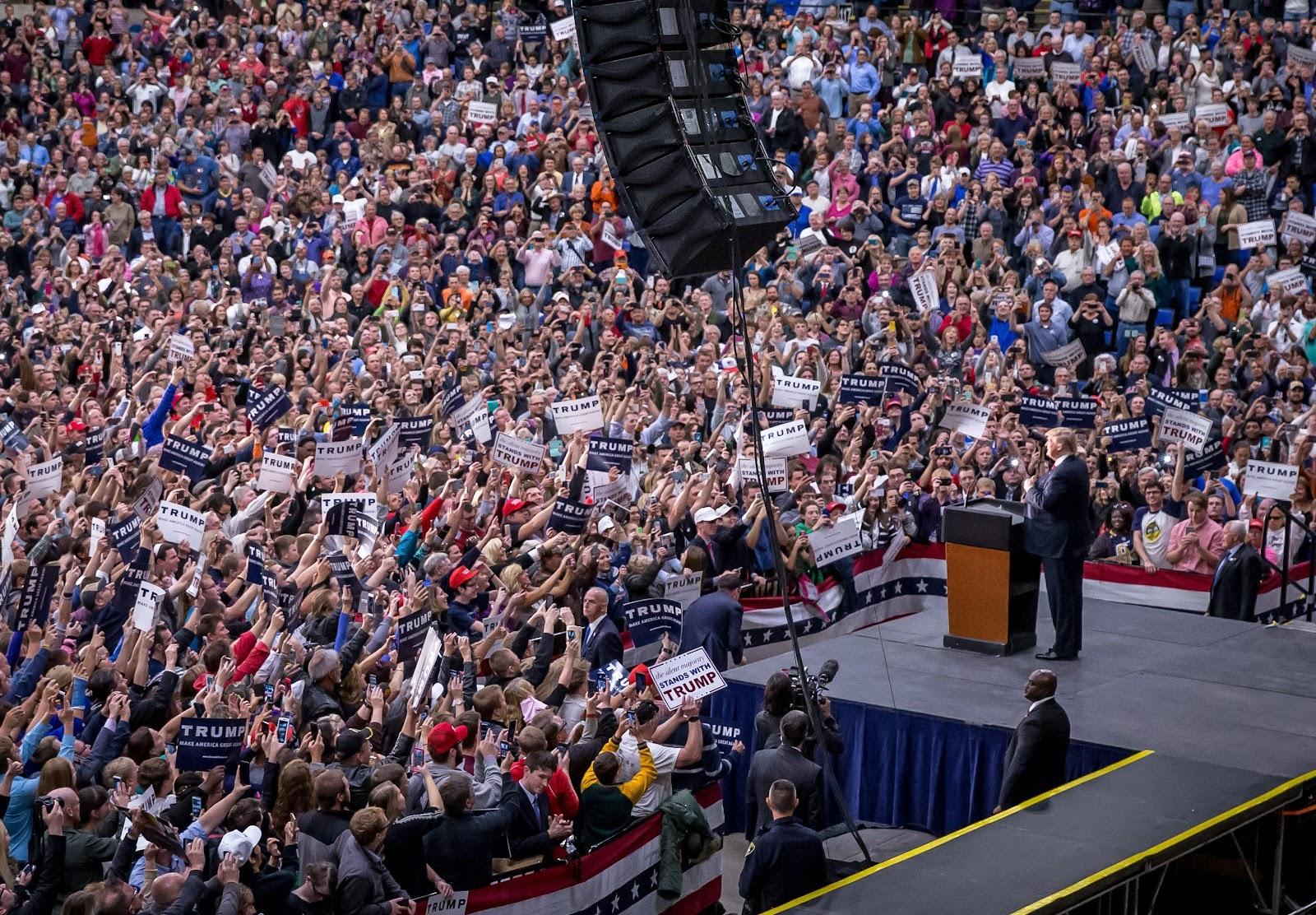Billedresultat for crowds at trump rallies