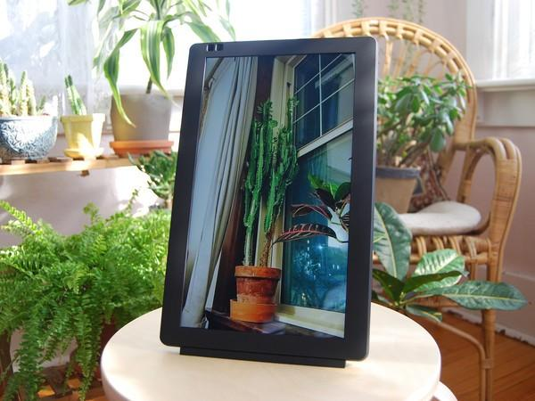 Gift Ideas for the Boss 2020 - Wi-Fi digital photo frame