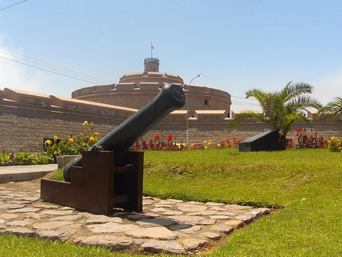 Descubre la Fortaleza del Real Felipe
