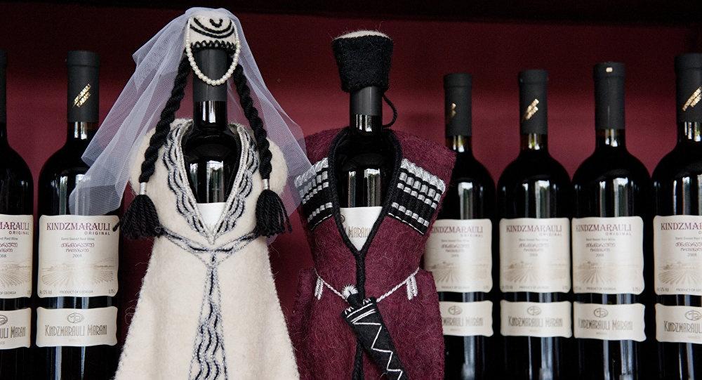 Росія - головний імпортер грузинського вина. У минулому році Грузія поставила в Росію близько 48 млн пляшок, що на 76% більше, ніж минулого року.
