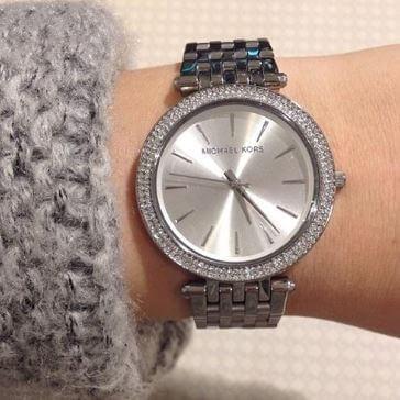 cấu tạo của chiếc đồng hồ Michael Kors