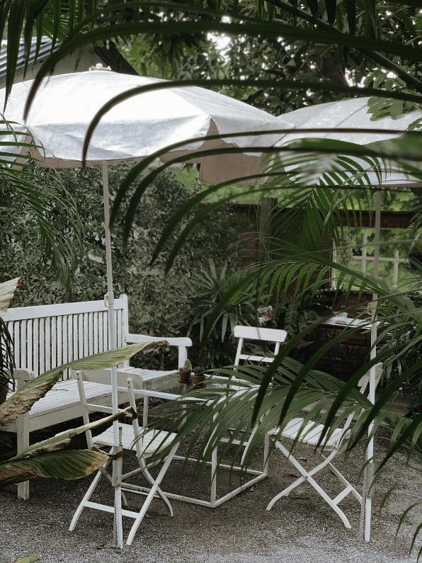 5. อะ ไลฟ์ คาเฟ่ แอนด์ แกลอรี่ (A Life cafe & gallery)