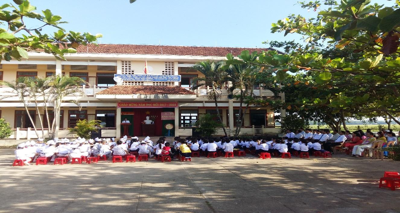 Toàn cảnh Lễ Khai giảng năm học mới 2017-2018 tại trường TH Số 1 Bình Hòa