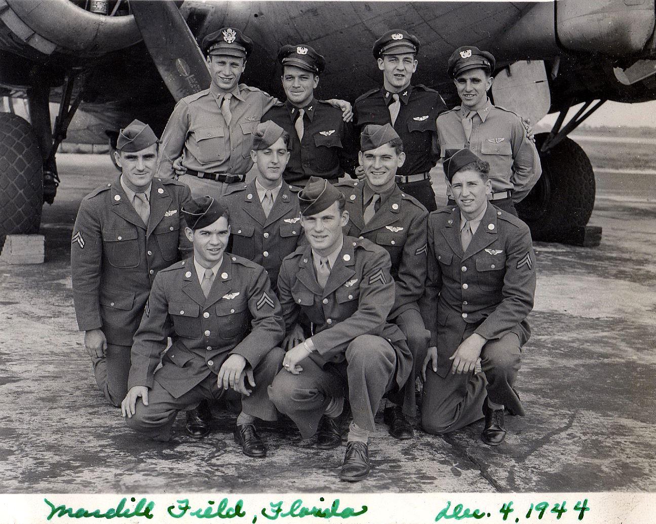 Last dat at MacDill Field - Bud is kneeling on far right