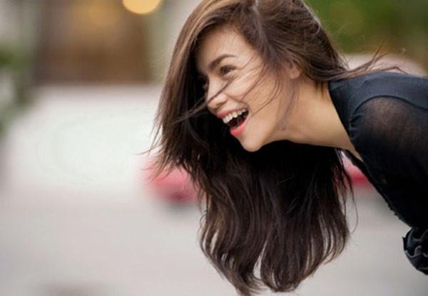 Một người phụ nữ có thái độ sống tích cực sẽ được đàn ông thích hơn là phụ nữ bi quan.