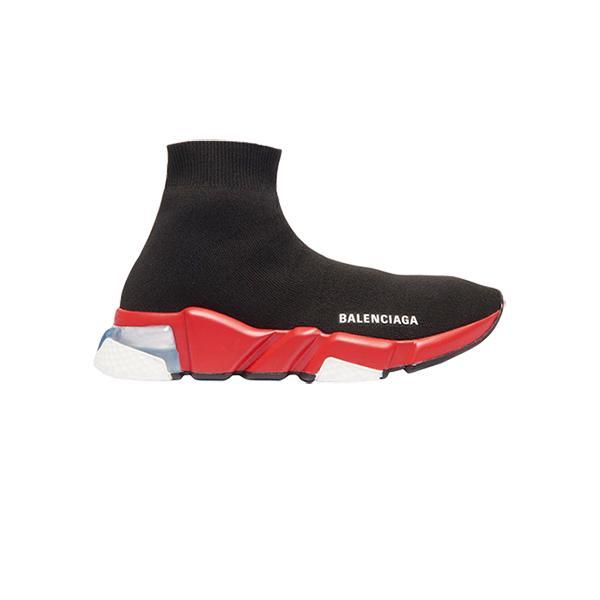 Gợi ý hai mẫu giày làm mưa làm gió trên thị trường hiện nay