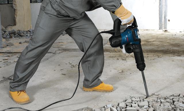 Chúng tôi luôn đầu tư và nhập khẩu máy khoan cắt bê tông hiện đại