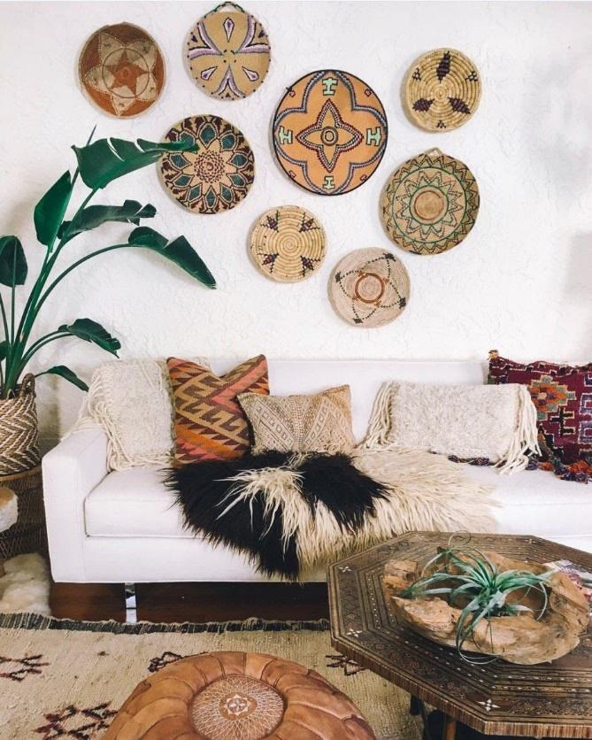 Wall Baskets hanging on the the huge living room wall