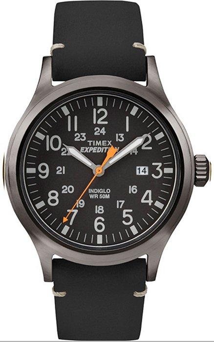 Klasyczny, męski zegarek Timex TW4B01900 Expedition Scout na czarnym skórzanym pasku z metalową, czarną kopertą. Tarcza zegarka jest czarna z szarymi indeksami oraz pomarańczową wskazówką sekundnika.