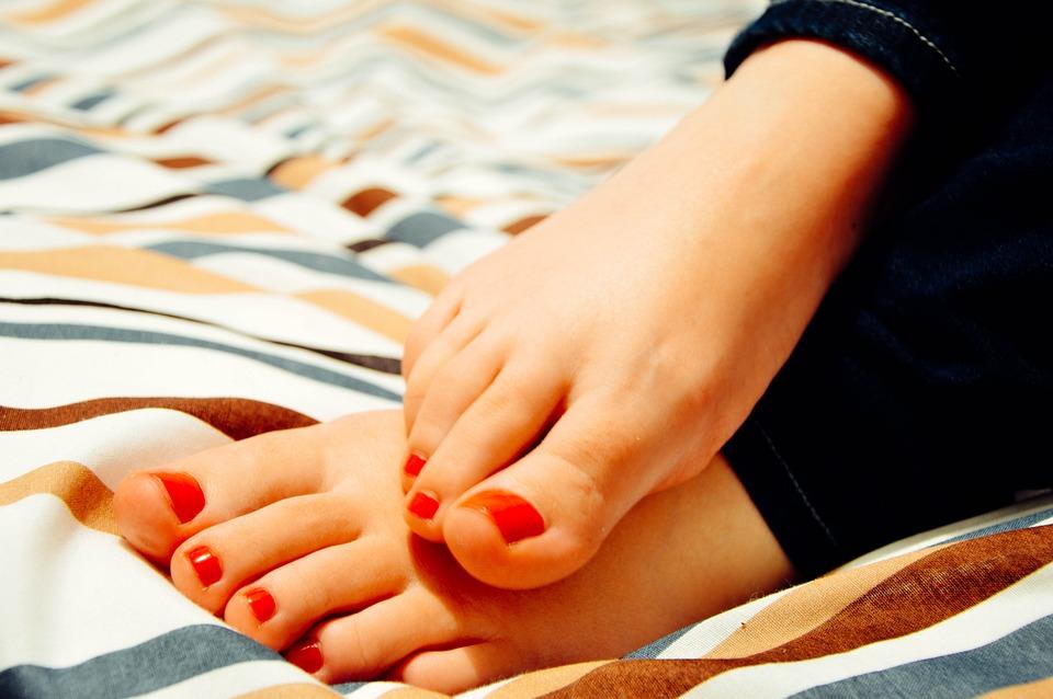 Feet, Toes, Woman, Female, Pedicure, Barefoot, Blanket