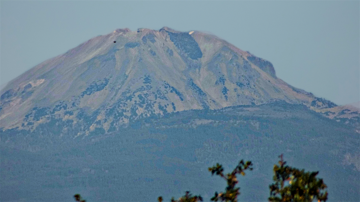 Close Up Tues Lassen.jpg