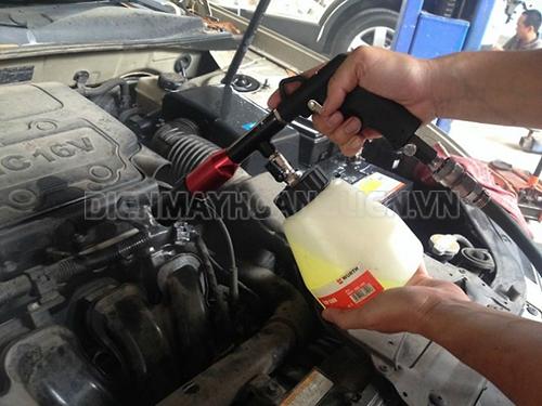 chú ý khi sử dụng dung dịch rửa máy xe ô tô