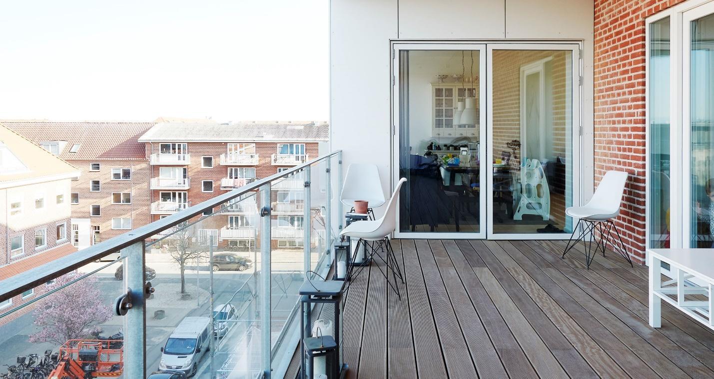 Balcon amenajat cu pardoseala WPC