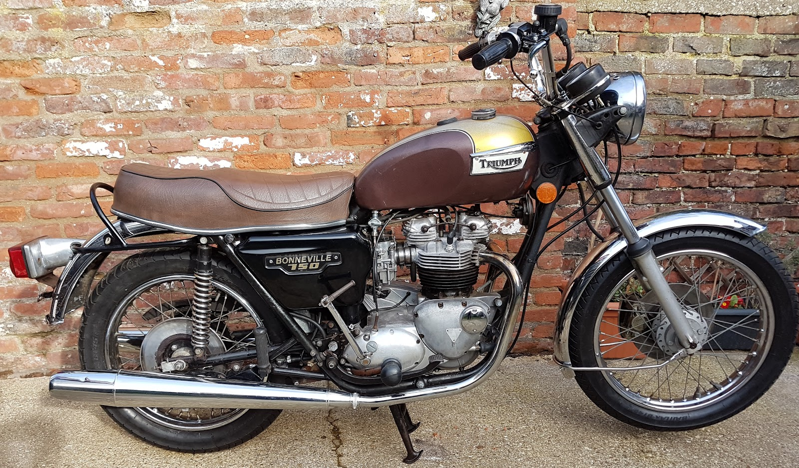Triumph Bonneville T140 restored and registered.