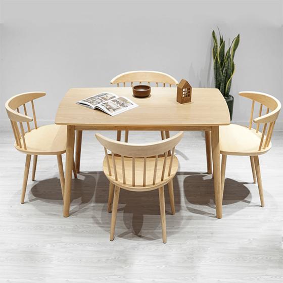 Bàn ghế làm từ chất liệu ván gỗ cao su ghép