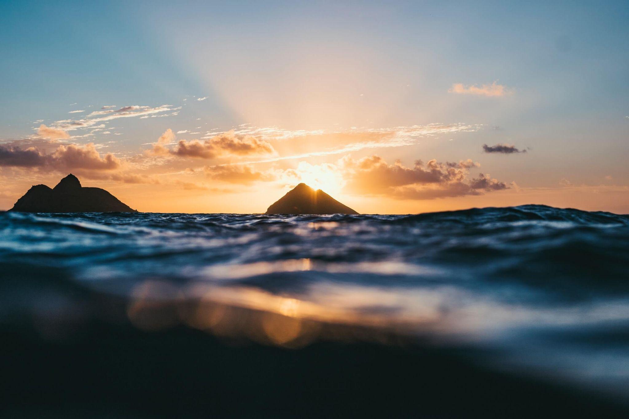 sunrise at Lanikai Beach, most stunning sunrise in Oahu